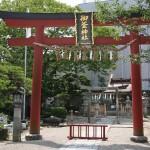 神釜が安置されているパワースポット【御釜神社】